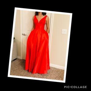 💋Sherri Hill Prom Dress 💋 NWOT NEVER WORN